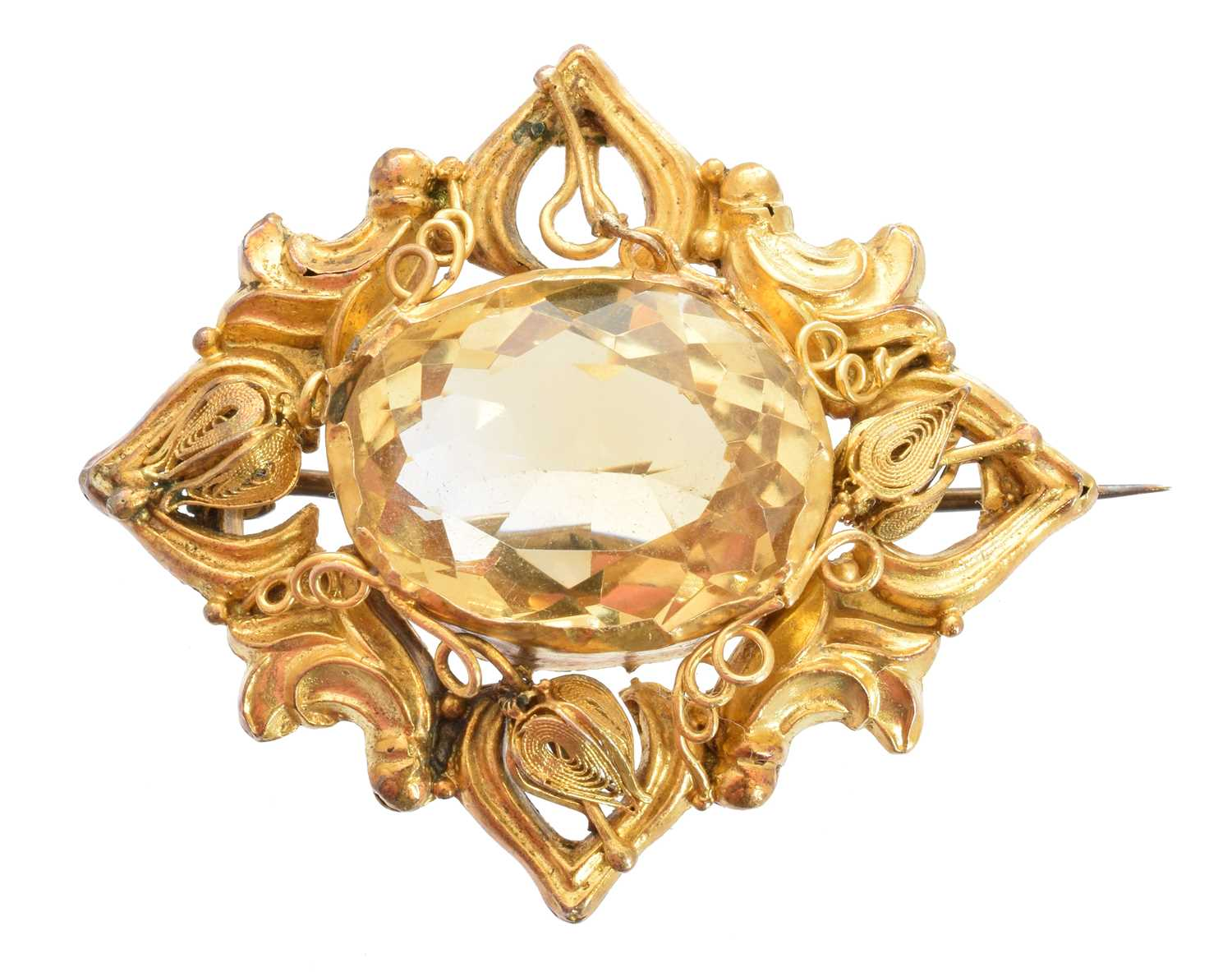 Lot 33 - A Victorian citrine brooch
