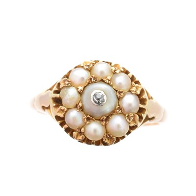 Lot 204 - A Victorian split pearl & diamond cluster ring