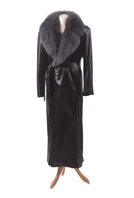 Lot 100 - A leather coat by Vericci
