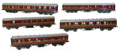 Lot 1-16mm scale model coaches