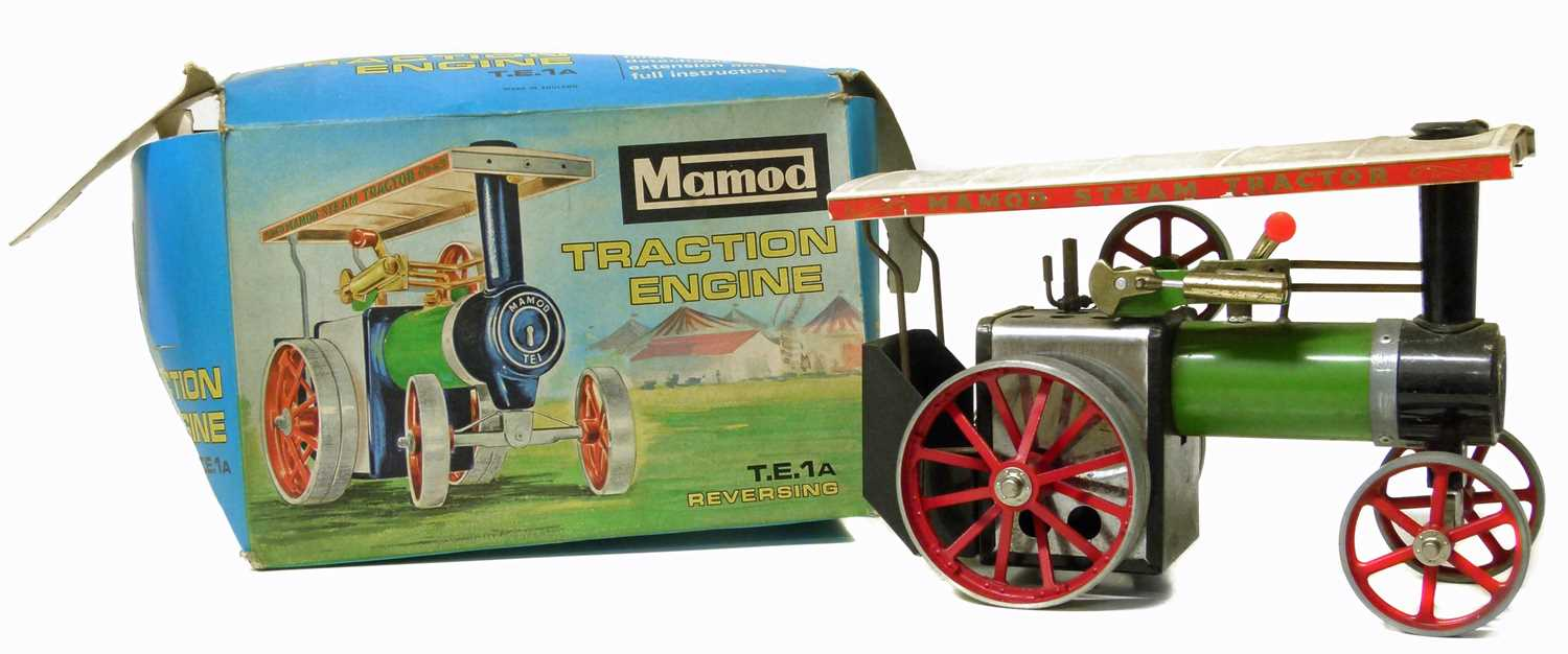 Lot 43-Mamod traction engine, original box and instructions.