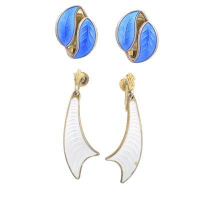 Lot 23 - Two pairs of silver enamel earrings