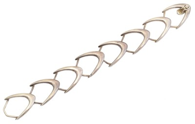 Lot 10 - A bracelet by Arne Johansen