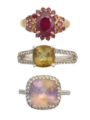 Lot 152 - Three gem-set dress rings