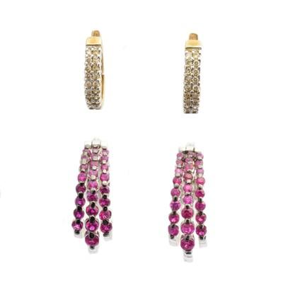 Lot 46 - Two pairs of hoop earrings