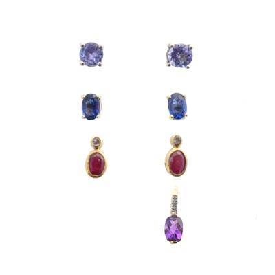 Lot 51 - Three pairs of earrings