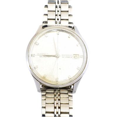 Lot 68 - A Seiko stainless steel Self Dater Diashock watch