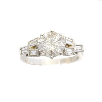 Lot 136 - A platinum diamond single stone ring