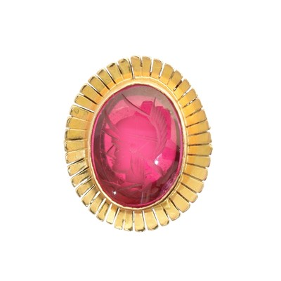 Lot 142 - A synthetic ruby intaglio ring