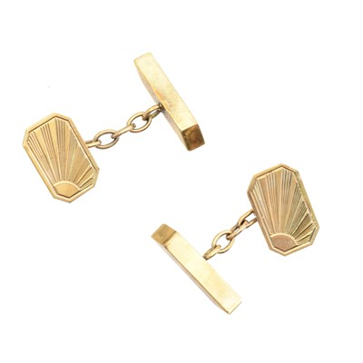 Lot 39-A pair of 9ct gold cufflinks