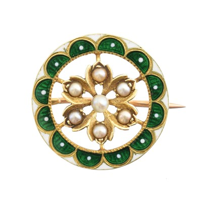 Lot 29-An early 20th century enamel and pearl brooch