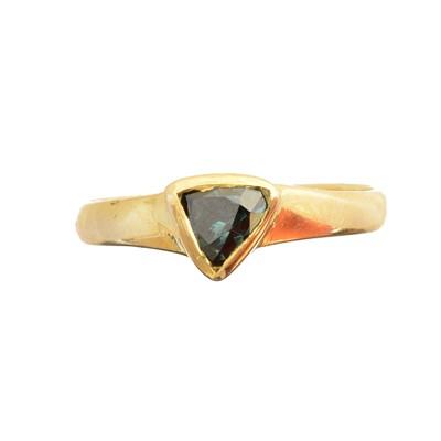 Lot 187 - A colour treated diamond single stone ring