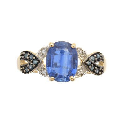 Lot 93 - A 9ct gold kyanite and diamond dress ring