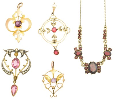 Lot 135 - A selection of jewellery