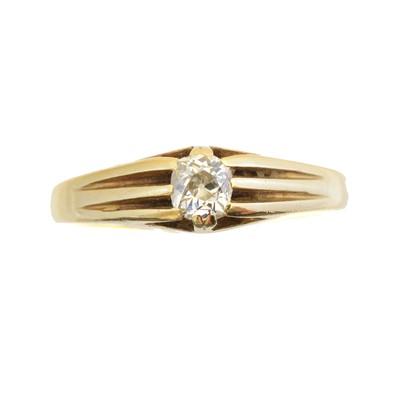 Lot 108 - A diamond single stone ring