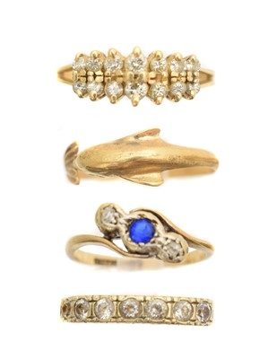 Lot 110A - A selection of rings