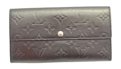 Lot 120 - A Louis Vuitton Porte-Monnaie wallet