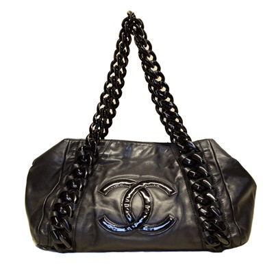 Lot 129 - A Chanel Front Logo Chain Tote Shoulder Bag