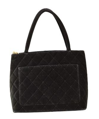 Lot 158 - A Chanel Medallion Shoulder Bag