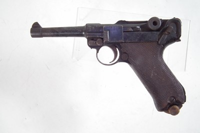 Lot Deactivated Luger P08 9mm semi-automatic pistol