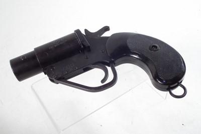 Lot 26 - British No.2 Mk V 1 inch signal pistol