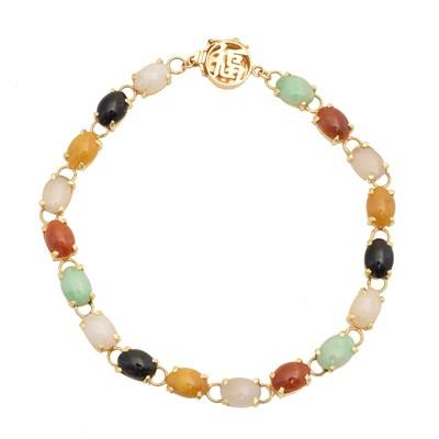 Lot 1 - A jade bracelet