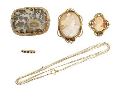 Lot 56 - A selection of jewellery