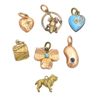 Lot 37 - A selection of charms