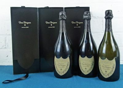 Lot 16 - 3 bottles Champagne 'Dom Perignon' 2003