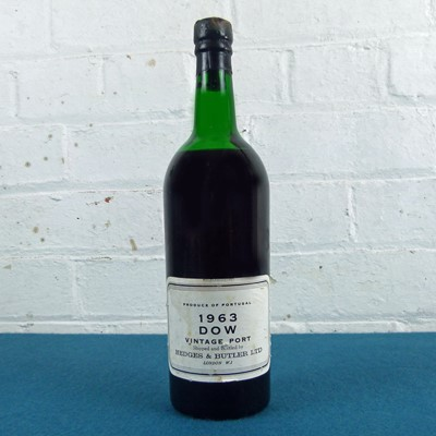Lot 33 - 1 Bottle Dow's Vintage Port 1963 (mus) UK bottled by Hedges and Butler London