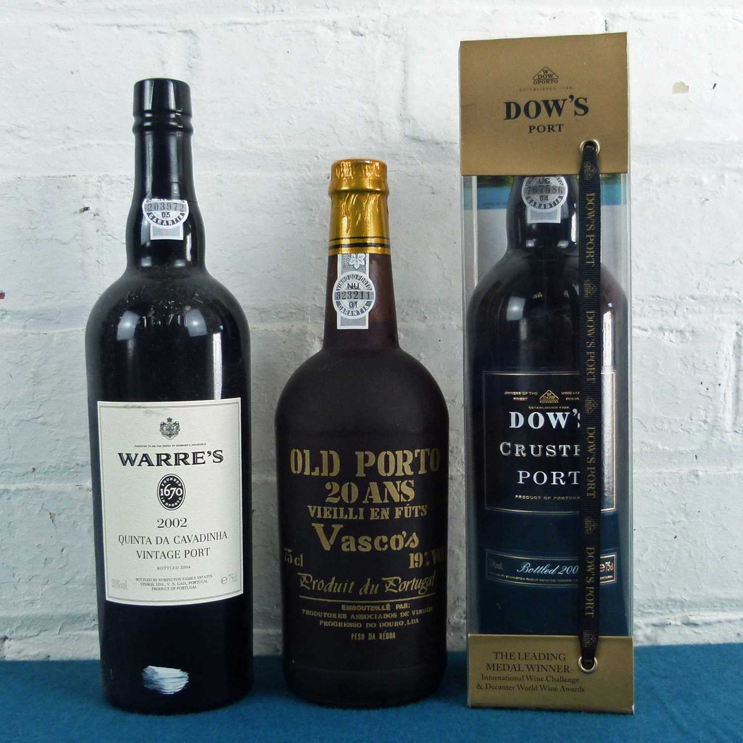 Lot 29 - 3 Bottles Mixed Lot Fine Tawny, Crusted and Single Quinta Vintage Port