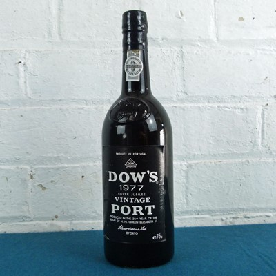 Lot 31 - 1 Bottle Dow's 'Silver Jubilee' Vintage Port 1977