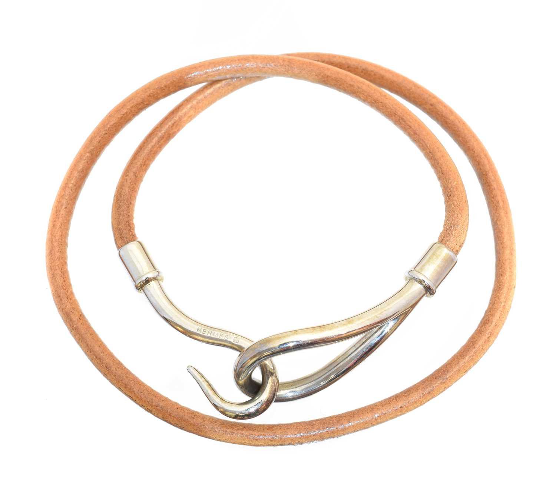 Lot 39 - A Hermès Jumbo Double Tour bracelet