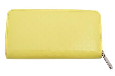 Lot 53 - A Louis Vuitton Zippy Wallet