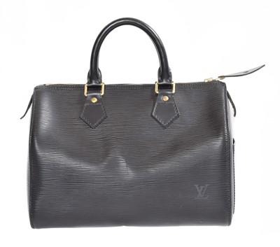 Lot 132 - A Louis Vuitton Epi Speedy 25 handbag