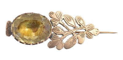 Lot 18 - A late Georgian foil-backed quartz Halley's Comet brooch