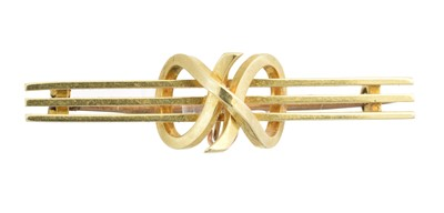 Lot 25 - An early 20th century bar brooch