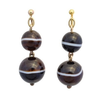 Lot 48 - A pair of Victorian banded agate drop earrings