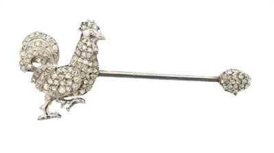 Lot 24 - A diamond brooch