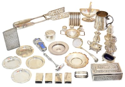 Lot 89 - A large selection of silver and white metal items