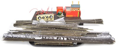 Lot 28 - Peco OO track, train controller and buildings