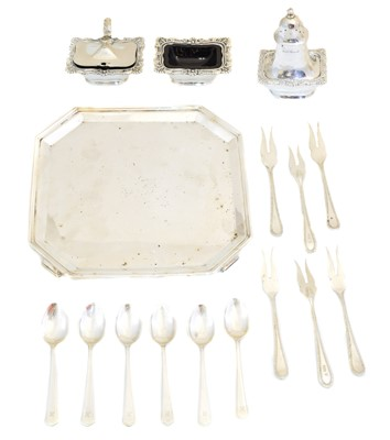 Lot 99 - A selection of silver