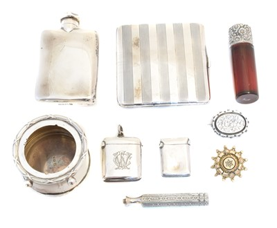 Lot 95 - A selection of silver