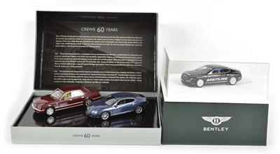 Lot 53 - Three Minichamps 1:43 Scale Bentleys