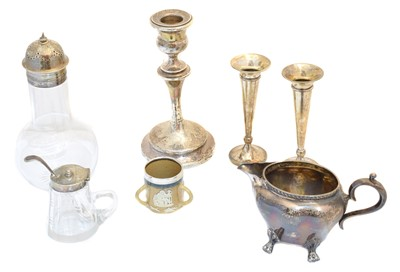Lot 94 - A selection of silver