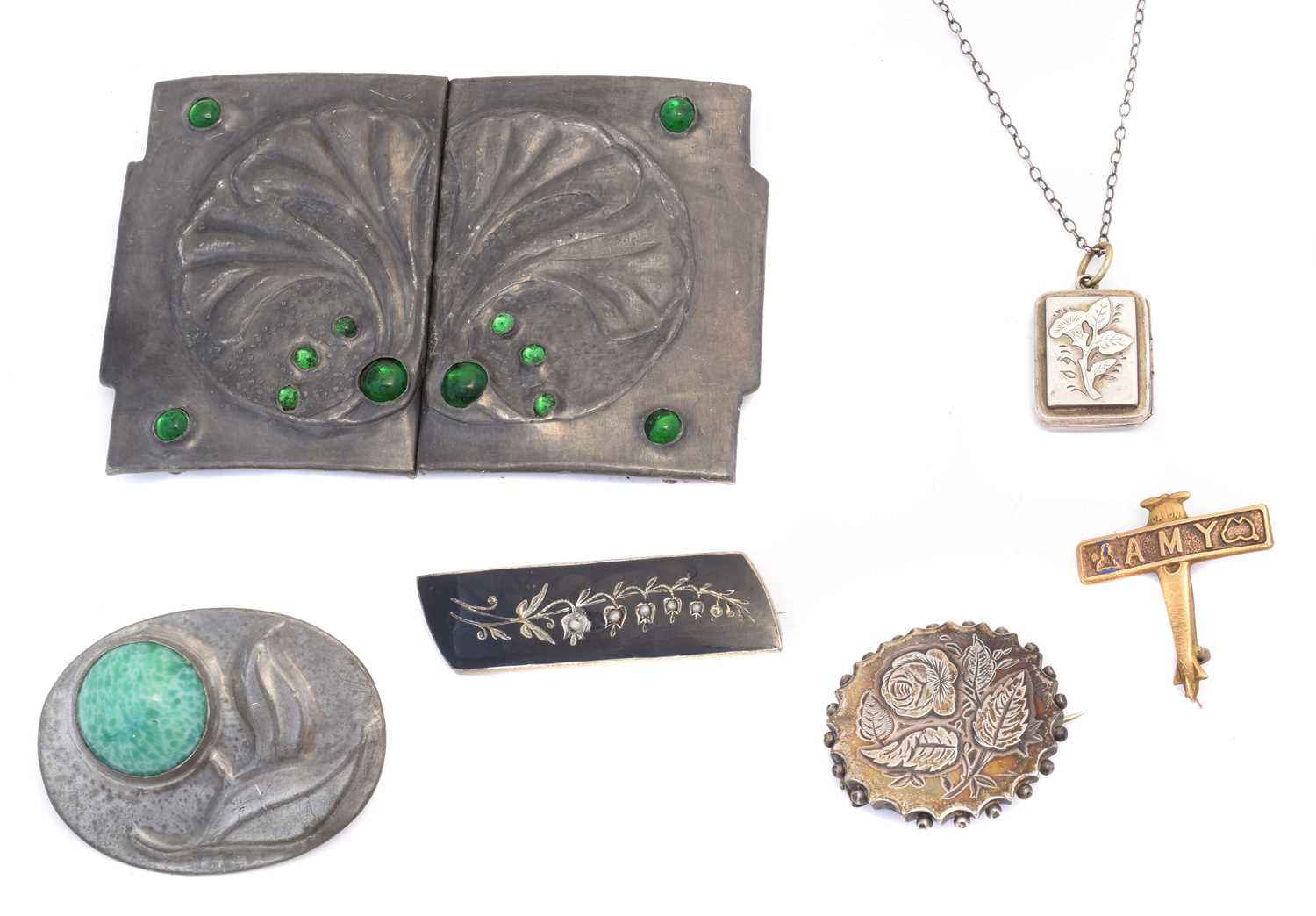 Lot 41 - A selection of jewellery