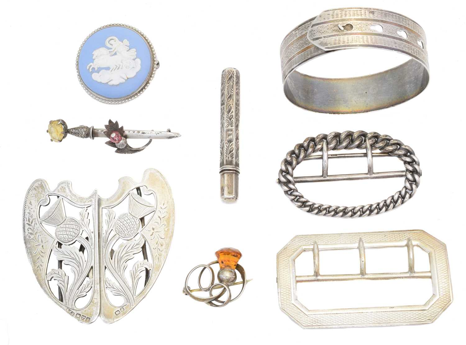 Lot 34 - A selection of silver jewellery