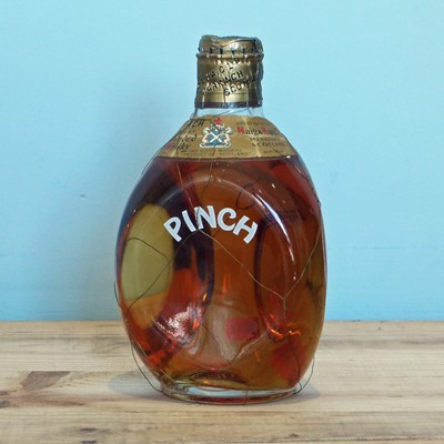 """Lot 36 - 1 x 4/5 pint Bottle Rare 1950's bottling at 86.8°proof Haig """"PINCH"""" Scotch Whisky"""