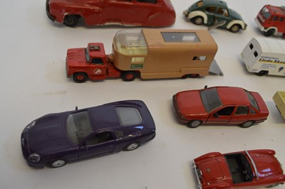 Lot 22 Assorted diecast and model vehicles to...