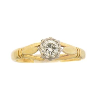 Lot 55 - A diamond single stone ring